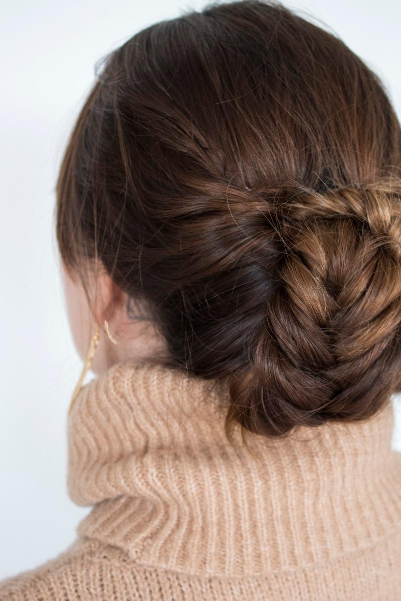 Un peinado perfecto para usar con cuello tortuga